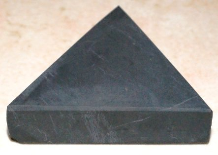 triangle shungite
